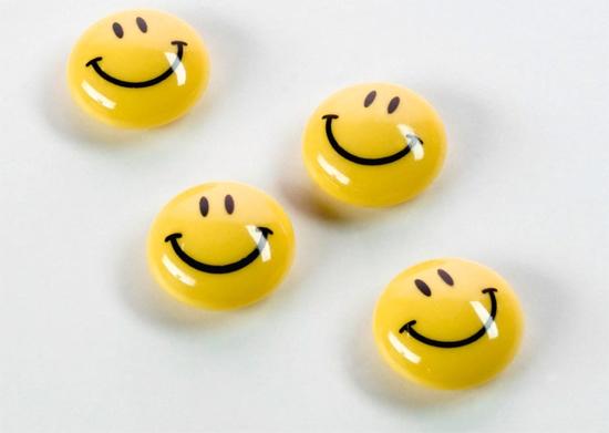 Magnesy biurowe kuliste - uśmiechnięta buźka