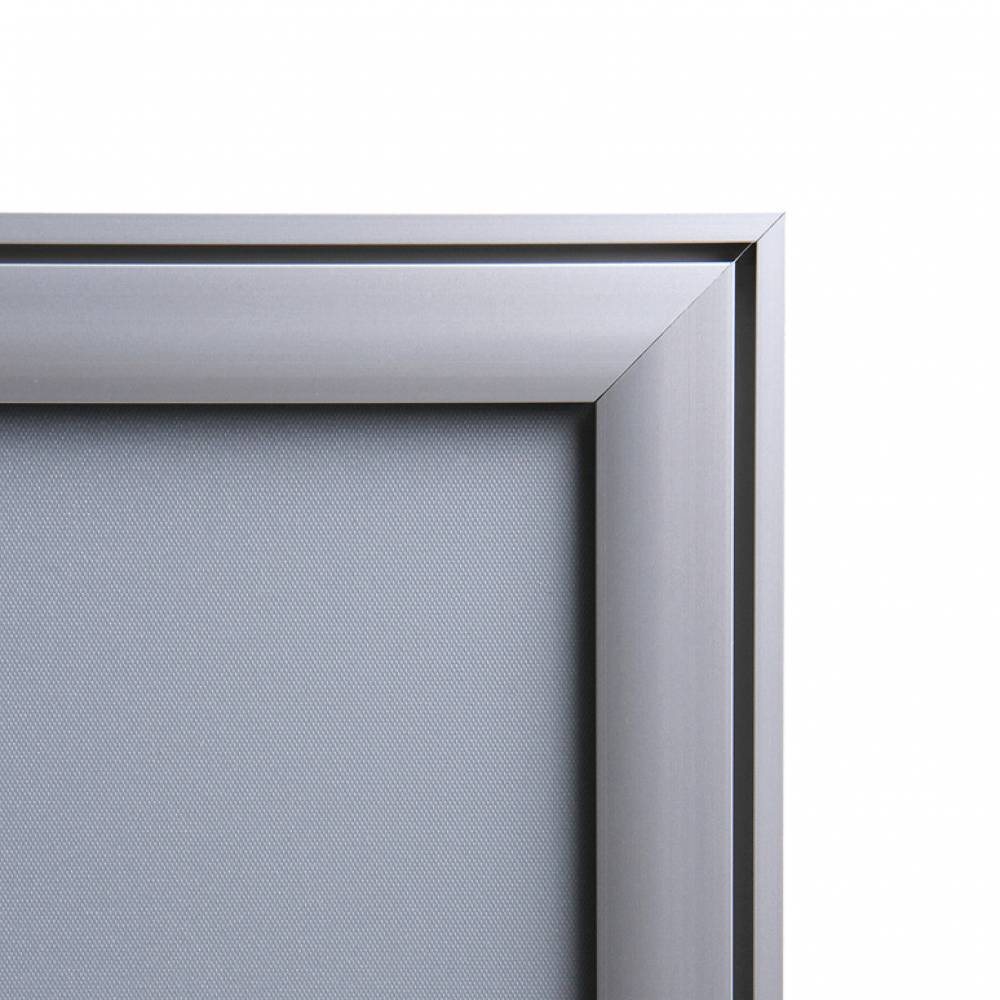 Ramka zatrzaskowa z podwójnego profilu z ostrym narożnikiem