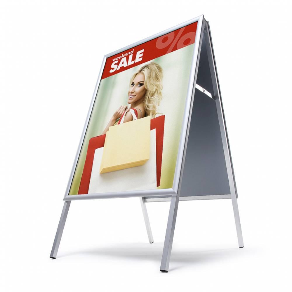 Dwustronny potykacz reklamowy z ramą zatrzaskową z ostrym narożnikiem - format A2